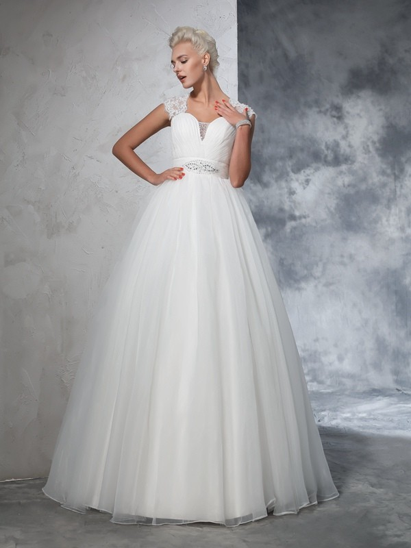Glamorous Ball Gown Sweetheart Sleeveless Long Tulle Wedding Dress