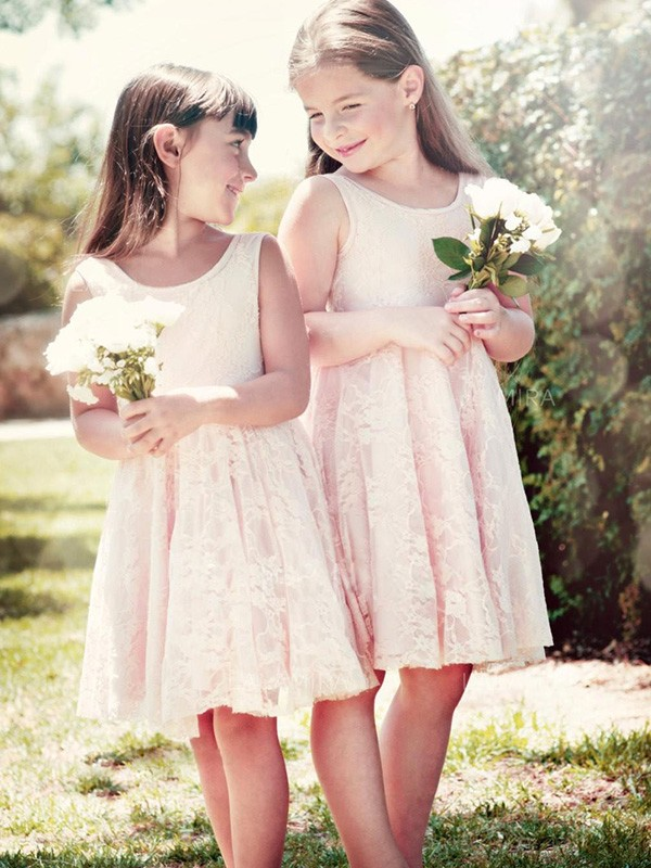 Charming A-Line Sleeveless Scoop Knee-Length Lace Flower Girl Dress