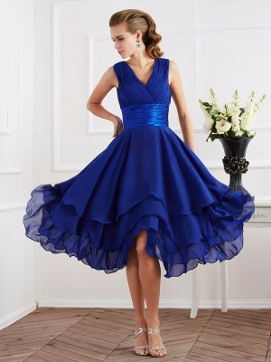 Stylish A-Line V-neck Short Sleeves Short Chiffon Bridesmaid Dress