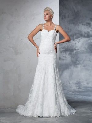 Glamorous Mermaid Spaghetti Straps Lace Sleeveless Long Lace Wedding Dress