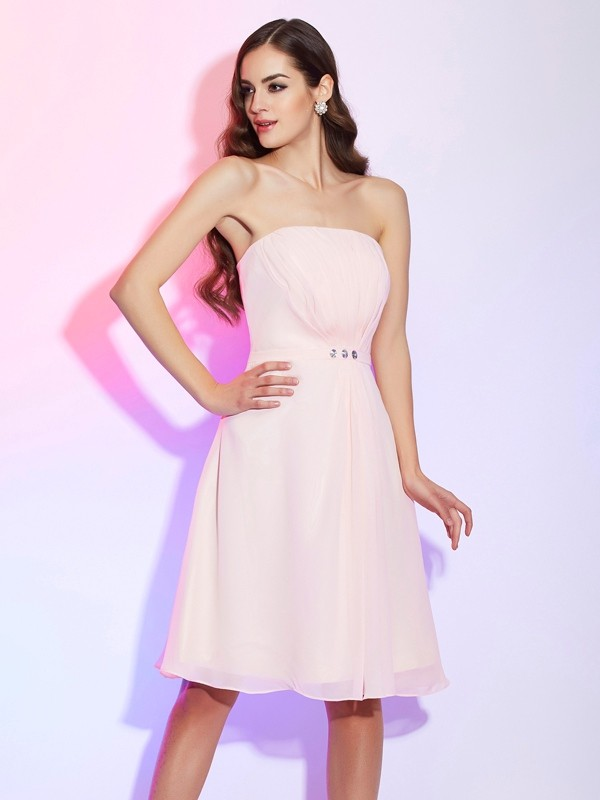 Chic Sheath Strapless Sleeveless Short Chiffon Bridesmaid Dress