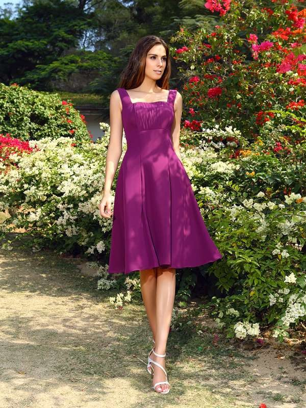 Charming A-Line Square Sleeveless Short Chiffon Bridesmaid Dress
