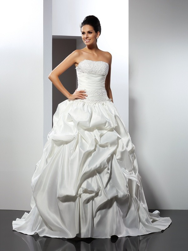 Gorgeous Ball Gown Strapless Sleeveless Long Satin Wedding Dress