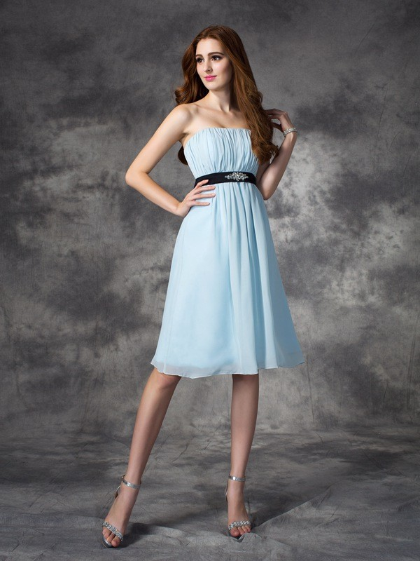 Nice A-Line Strapless Sleeveless Short Chiffon Bridesmaid Dress