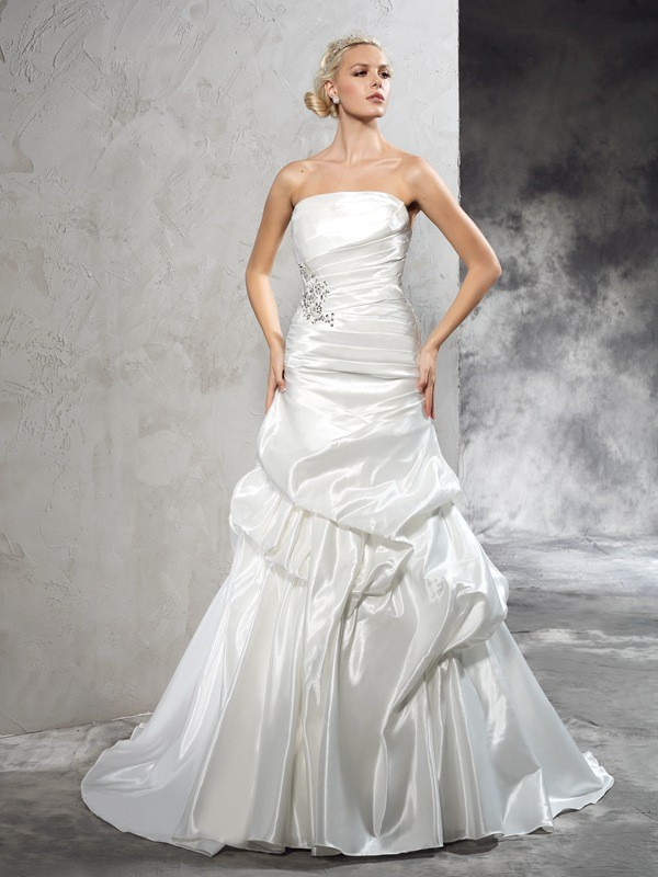 Glamorous Sheath Strapless Sleeveless Long Satin Wedding Dress