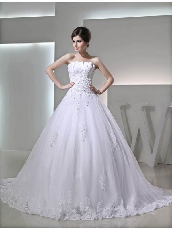 Modest Ball Gown Sleeveless Strapless Satin Wedding Dress