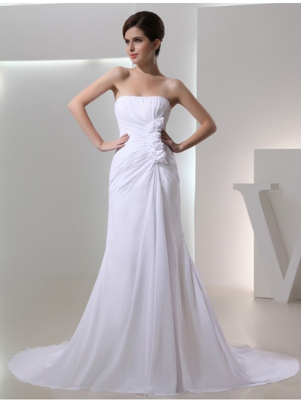 Modest A-Line Strapless Sleeveless Pleated Chiffon Wedding Dress