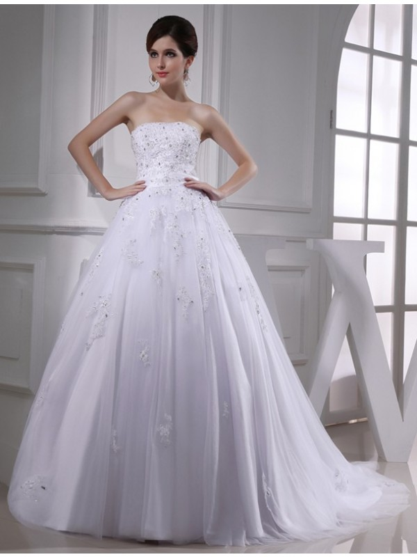 Modest Ball Gown Strapless Sleeveless Satin Tulle Wedding Dress