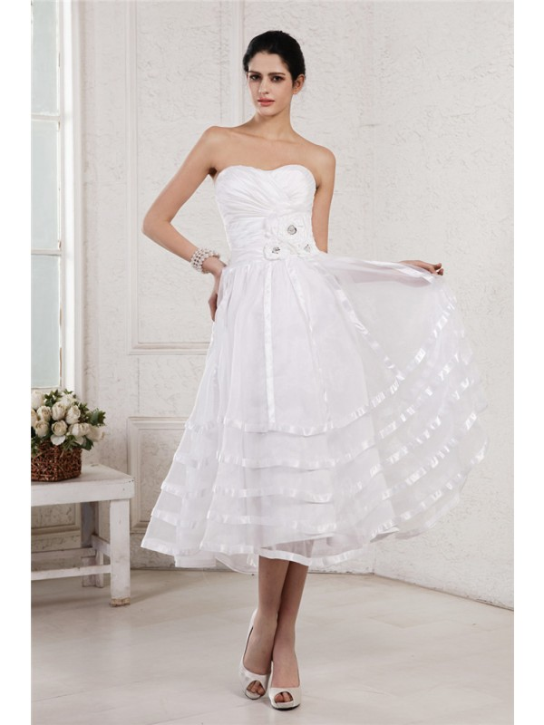 Beautiful A-Line Strapless Sleeveless Short Organza Taffeta Wedding Dress