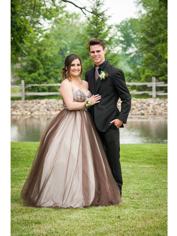 Classical Ball Gown Sweetheart Sleeveless Floor-Length Tulle Plus Size Dress