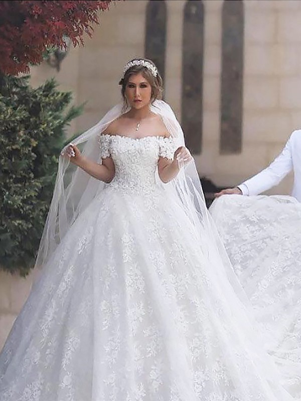 Exquisite Ball Gown Off-the-Shoulder Lace Short Sleeves Tulle Court Train Wedding Dress