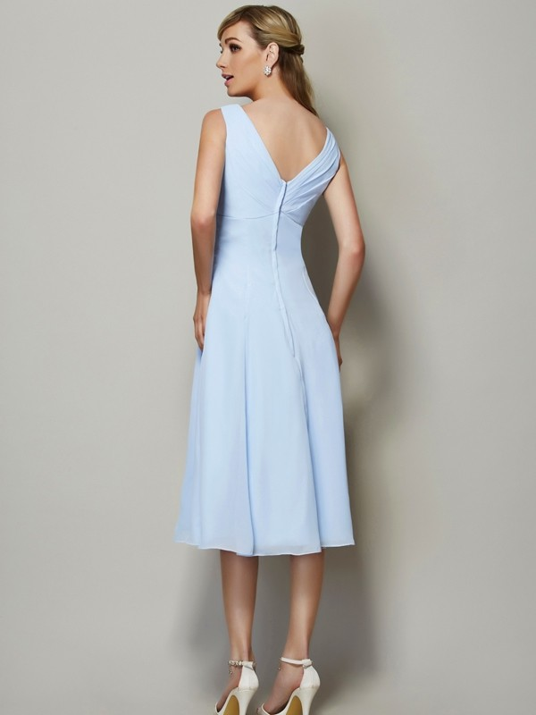 Chic A-Line V-neck Sleeveless Short Chiffon Bridesmaid Dress