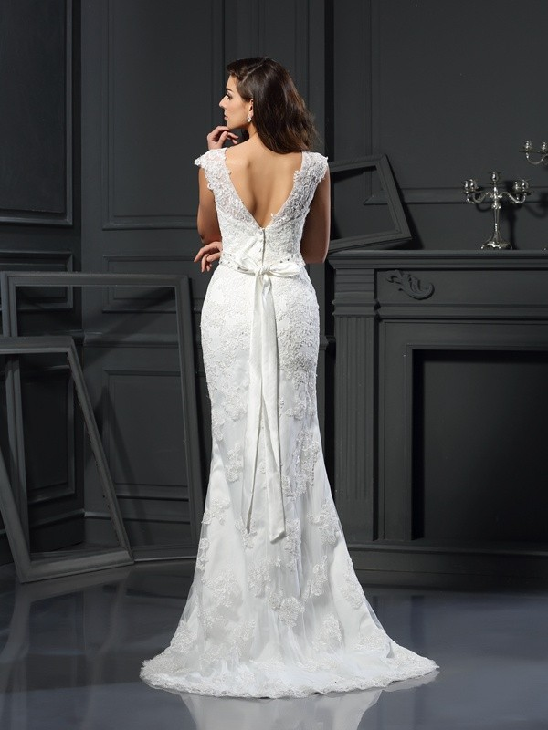Exquisite A-Line Bateau Lace Sleeveless Long Satin Wedding Dress