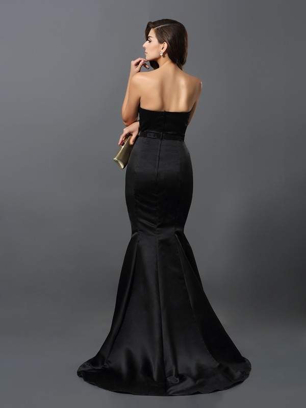 Exquisite Sheath Strapless Sleeveless Long Satin Dress