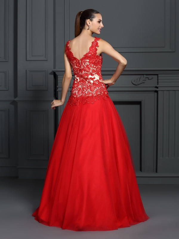 Exquisite Ball Gown V-neck Lace Sleeveless Long Lace Quinceanera Dress