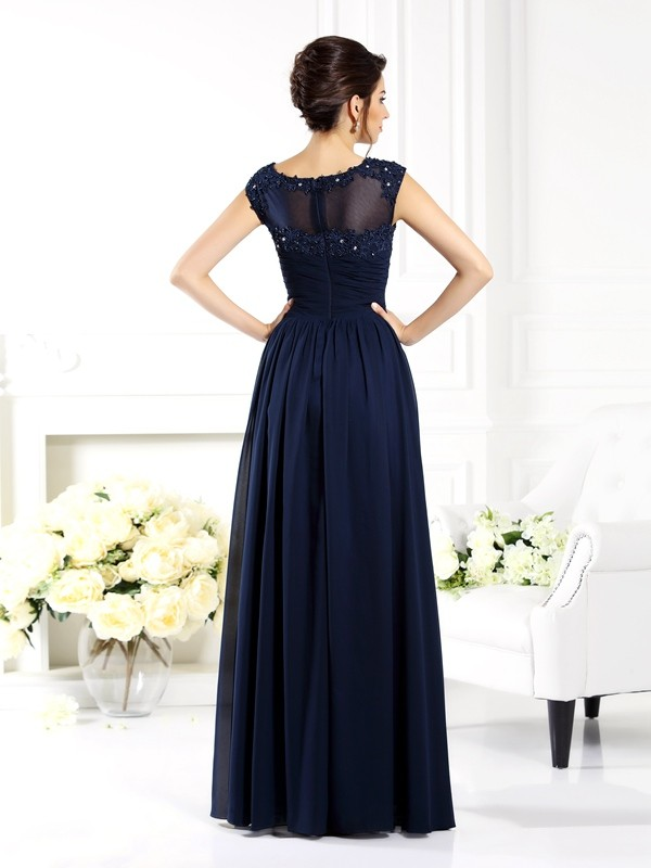Exquisite A-Line Scoop Sleeveless Long Chiffon Mother of the Bride Dress