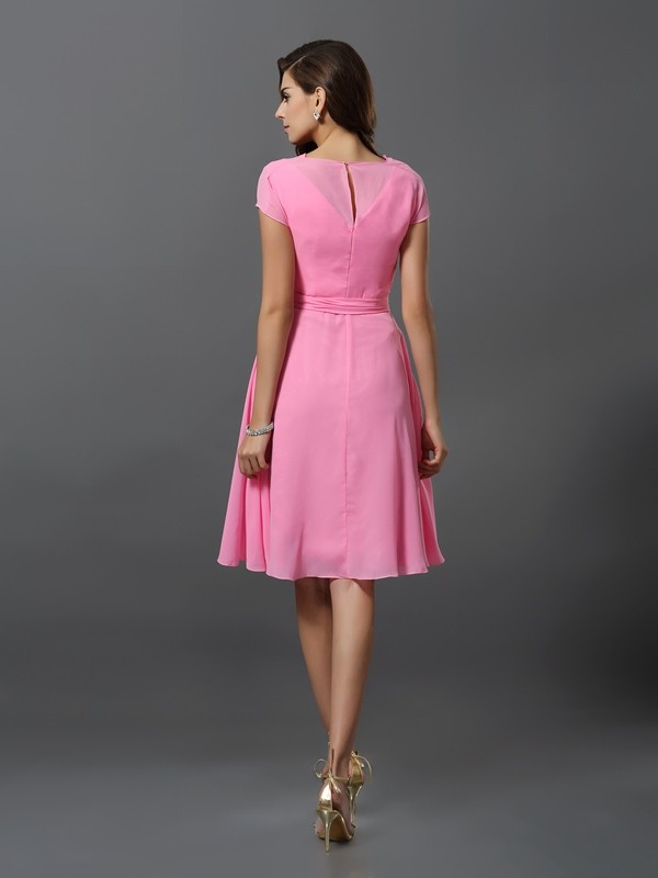 Charming A-Line Scoop Short Sleeves Short Chiffon Bridesmaid Dress
