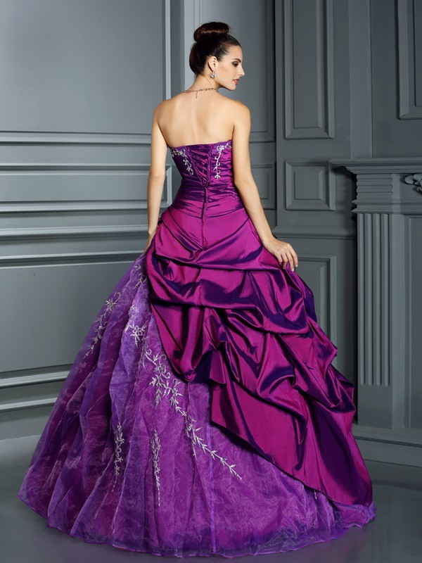 Classical Ball Gown Strapless Sleeveless Long Taffeta Quinceanera Dress