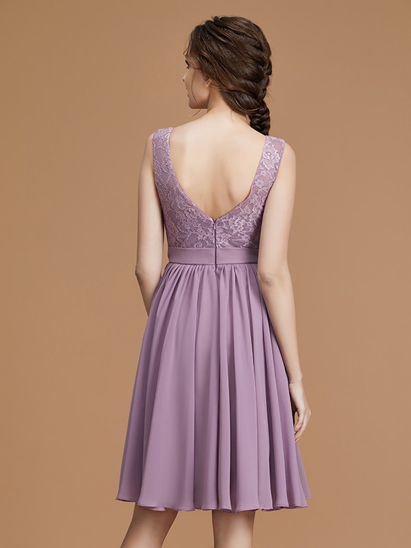 Stunning A-Line Bateau Sleeveless Short/Mini Chiffon Bridesmaid Dress