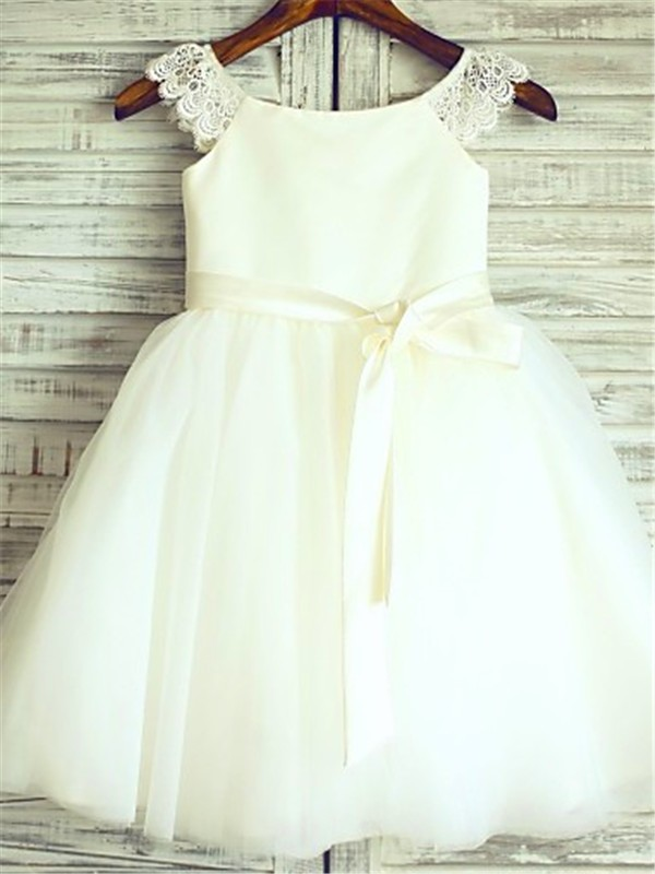 Stylish A-line Sleeveless Scoop Knee-Length Tulle Flower Girl Dress