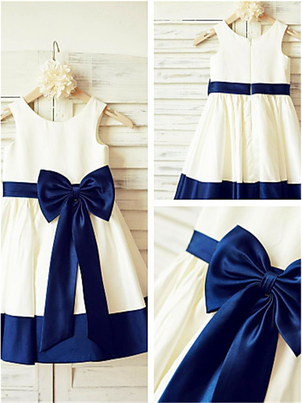 Charming A-line Scoop Sleeveless Knee-Length Taffeta Flower Girl Dress