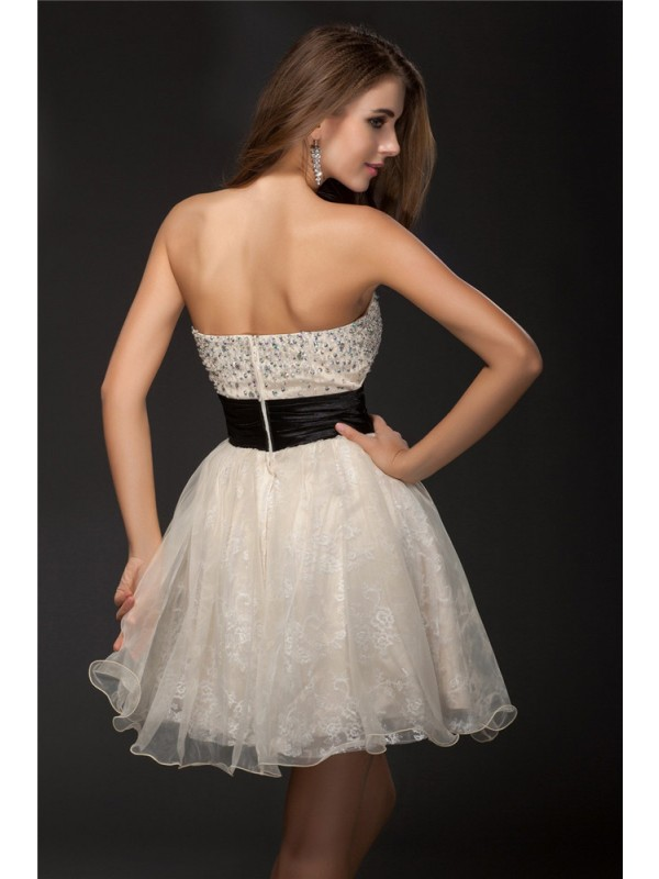 Gorgeous A-Line Sweetheart Sleeveless Short Organza Cocktail Dress