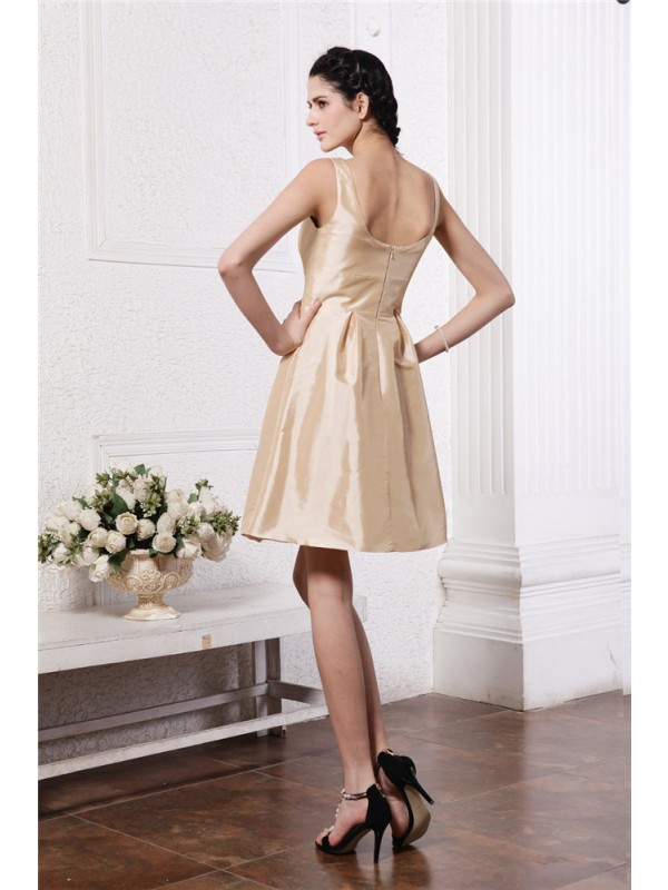 Gorgeous A-Line Scoop Sleeveless Short Taffeta Bridesmaid Dress