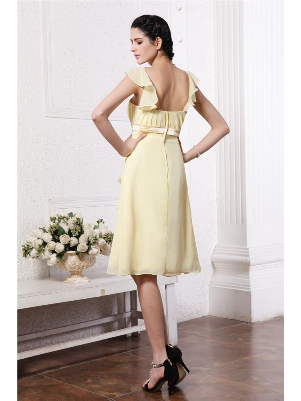 Gorgeous A-Line Straps Sleeveless Short Chiffon Bridesmaid Dress
