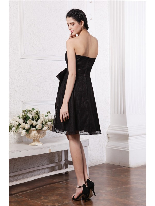 Gorgeous A-Line Sweetheart Sleeveless Sash Short Lace Bridesmaid Dress