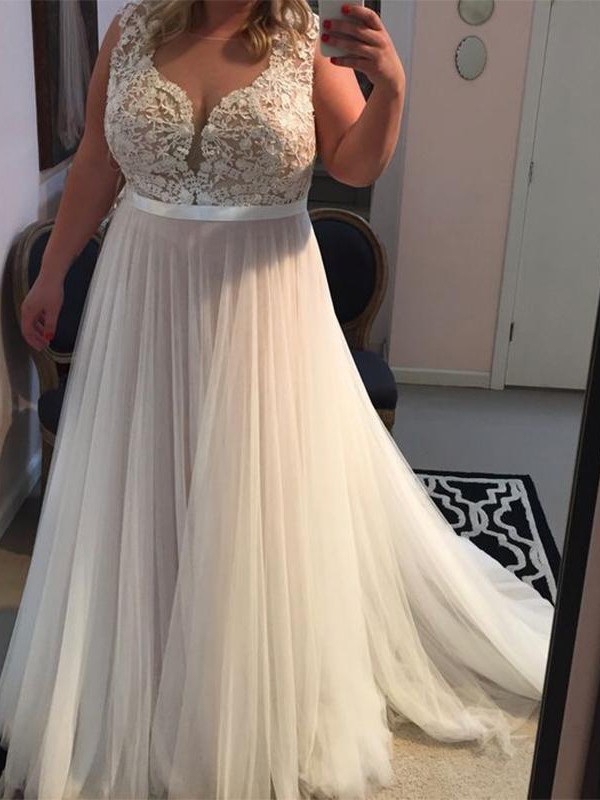 Charming A-Line Straps Sleeveless Sweep/Brush Train Tulle Plus Size Dress