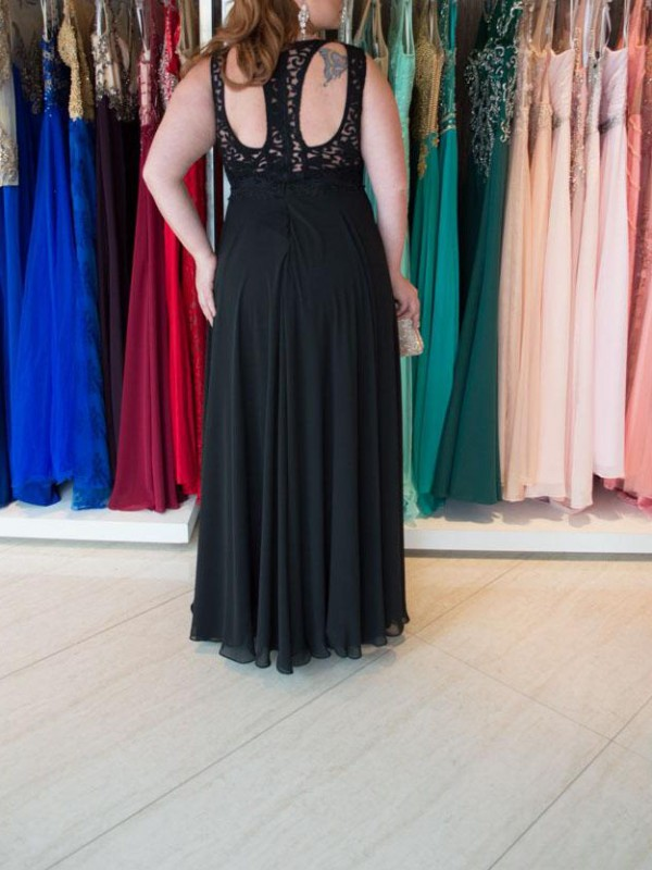 Charming A-Line Straps Sleeveless Lace Floor-Length Chiffon Plus Size Dress