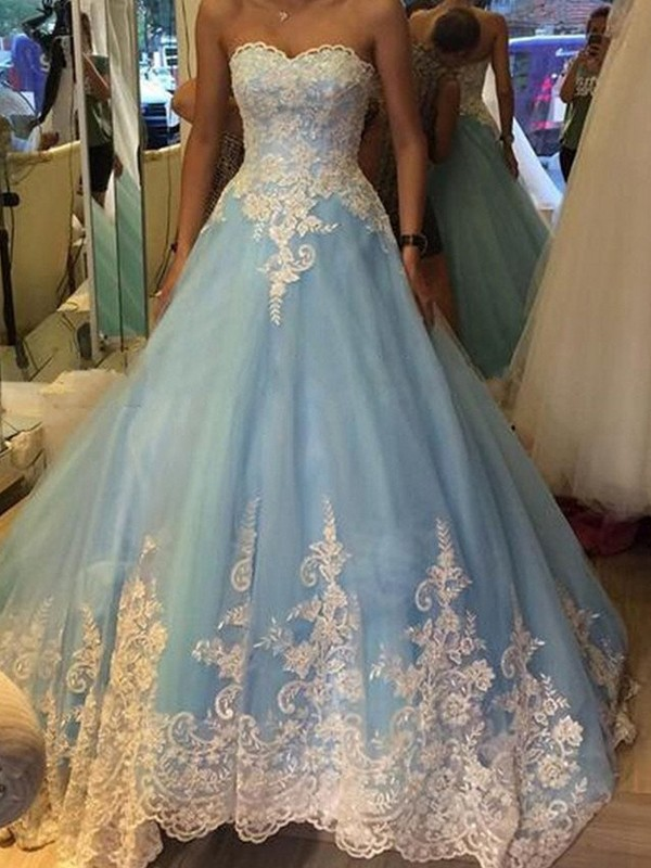Stunning Ball Gown Sweetheart Sleeveless Tulle Floor-Length Dress