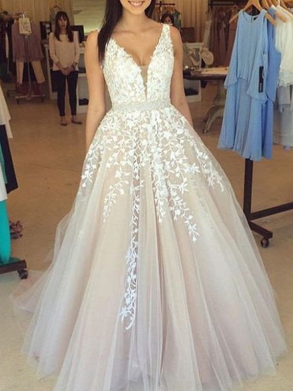 Stunning A-Line V-Neck Sleeveless Tulle Sweep/Brush Train Dress