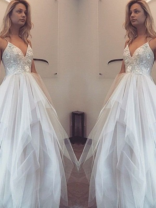 Stunning A-Line Spaghetti Straps Sleeveless Floor-Length Tulle Dress