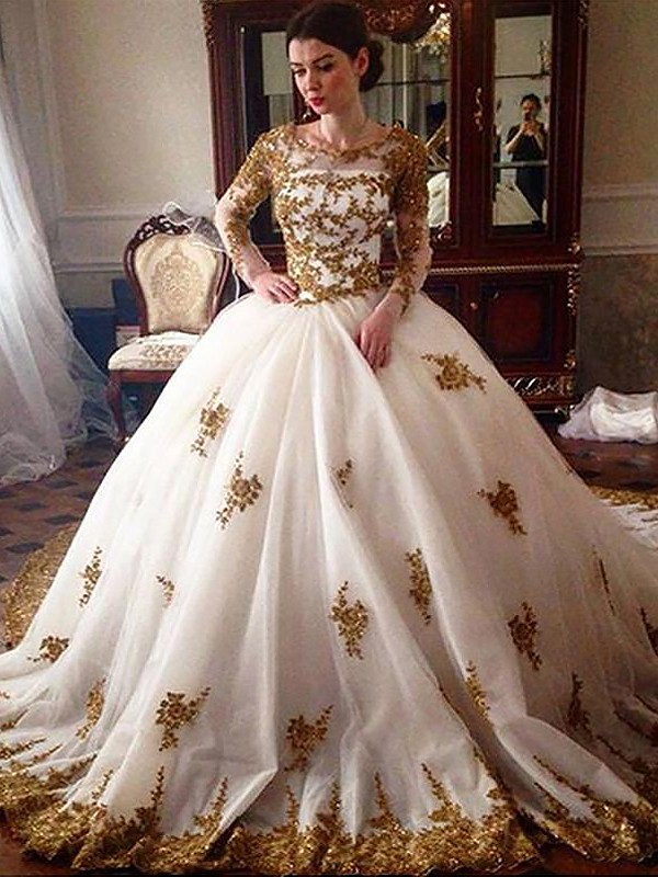 Exquisite Ball Gown Court Train Scoop Long Sleeves Tulle Wedding Dress