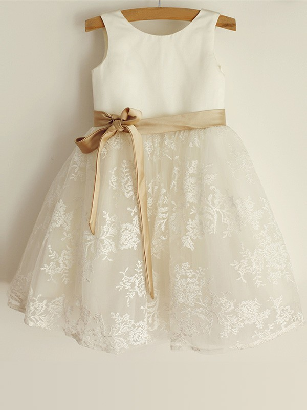 Exquisite A-Line Scoop Lace Sleeveless Satin Knee-Length Flower Girl Dress