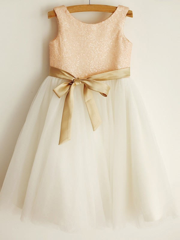 Charming A-Line Scoop Sequin Sleeveless Tulle Knee-Length Flower Girl Dress