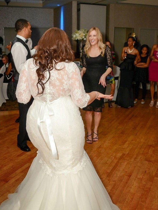 New Mermaid Lace Tulle Off-the-Shoulder 1/2 Sleeves Sweep/Brush Train Wedding Dress