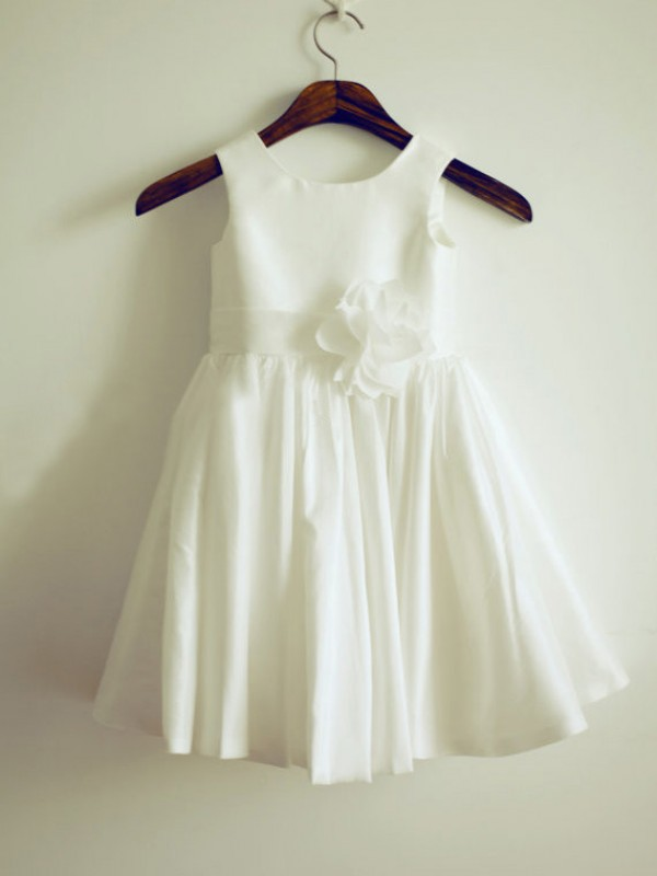 Nice A-line Jewel Knee-Length Taffeta Flower Girl Dress